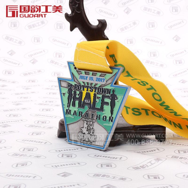 马拉松赛跑比赛异型创意奖牌定制图片