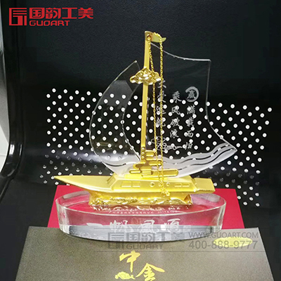水晶金属帆船摆件定制