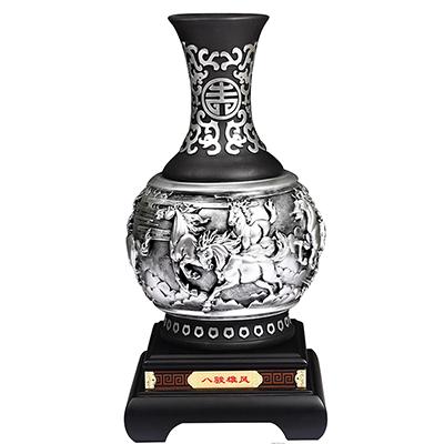 骏马图炭雕花瓶